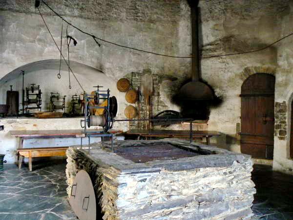 schloss burgk. Black Bedroom Furniture Sets. Home Design Ideas